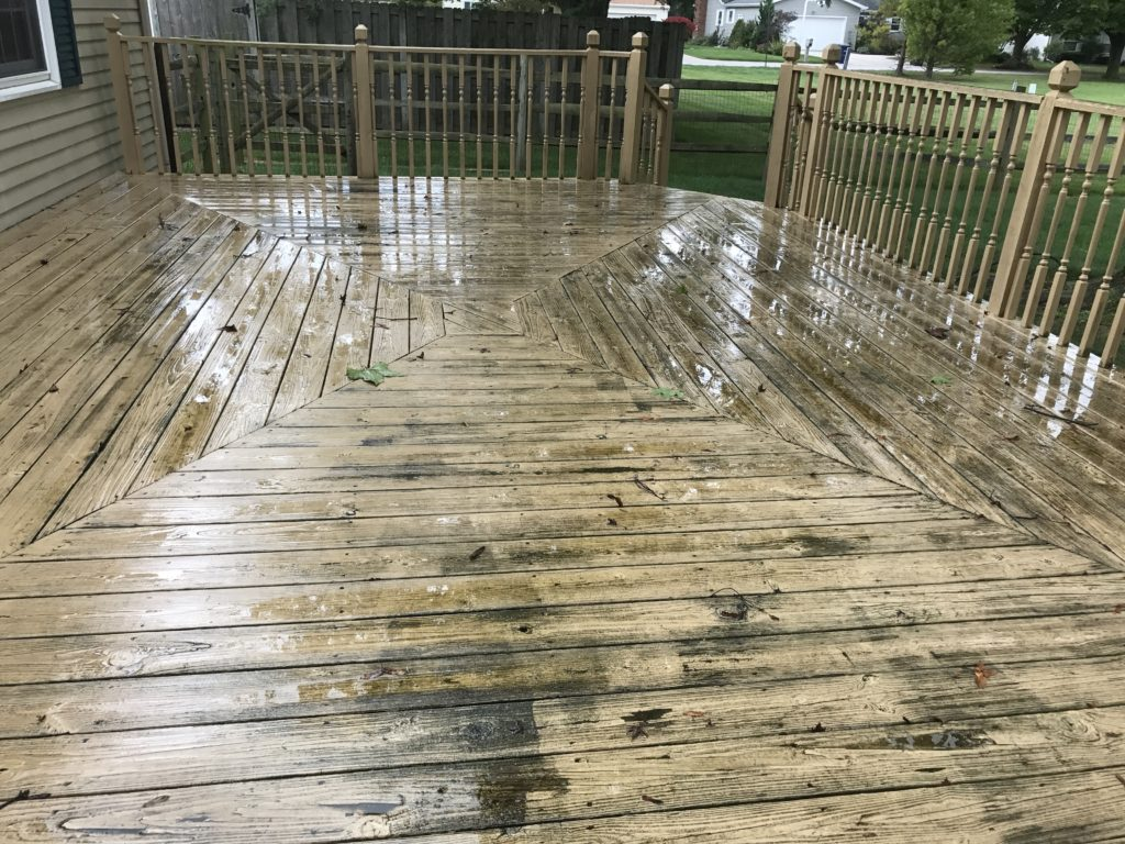 Anderson Pressure Washing deck cleaning in Bowling Green Ohio